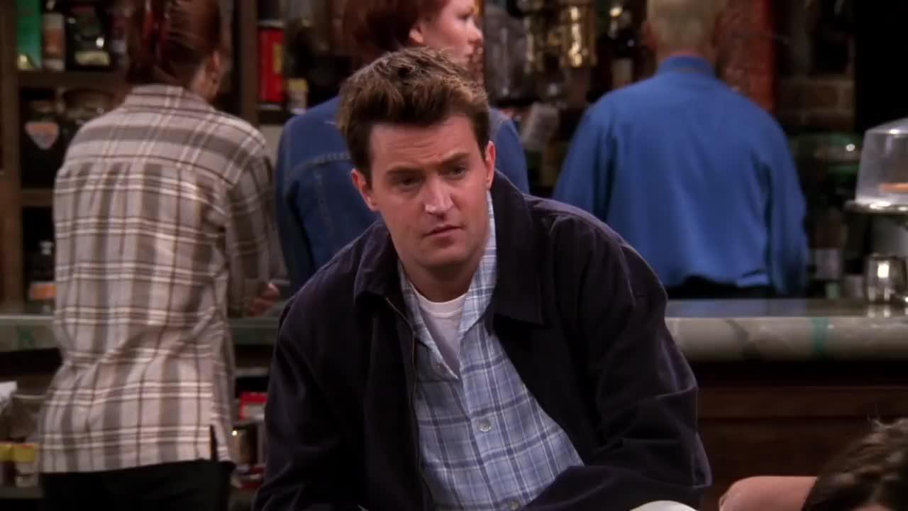 celebs, chandler, cool, friends, joey, love, matt leblanc, matthew perry, snores, Friends - Joey snores...Chandler's girl talks in sleep GIFs