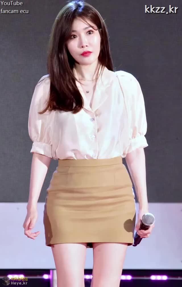 Watch and share Hae Ri Lee GIFs and Davichi GIFs by 매의눈닷컴(▶heye.kr) on Gfycat