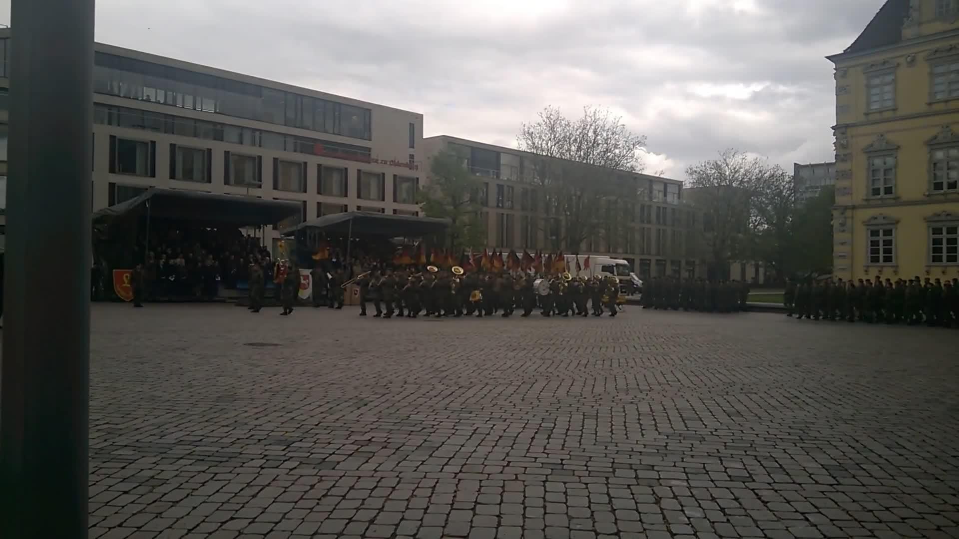 Bundeswehr, Heimat und Recht, Peter Fitzek, Travel & Events, comsubpac, Ausmarsch der Paradeaufstellung - Kommandoübergabe 1. Panzerdivision GIFs
