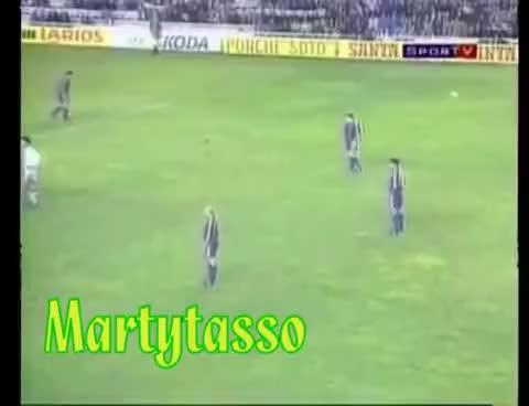 Watch and share Romario Briga Com Simeone Na Espanha - Seu Passado Te Condena GIFs on Gfycat