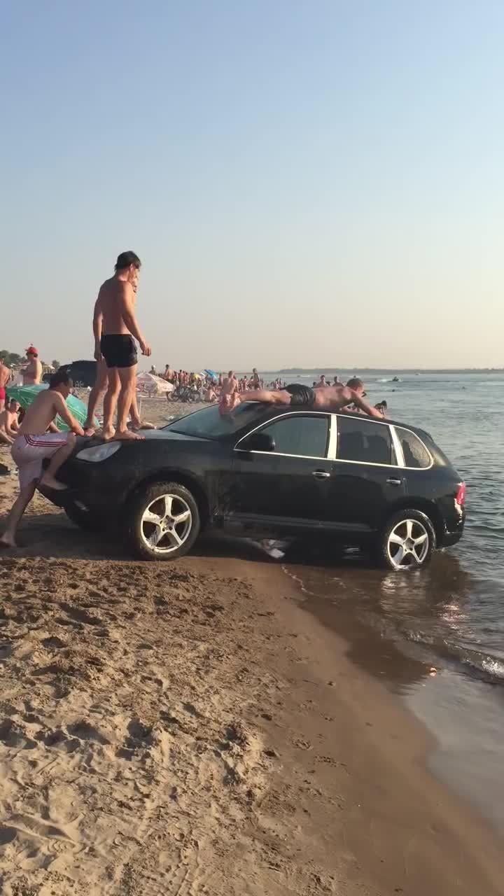 autoblog, cars, cool, viralhog, Porsche Waterslide GIFs