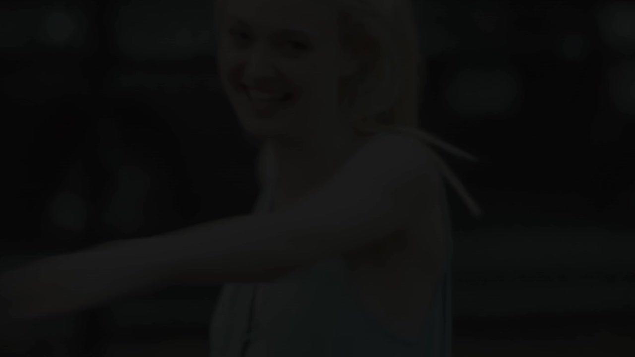 Dakota. GIFs