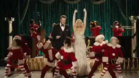 Blake Shelton, Christmas, Gwen Stefani, Love, SophieMuller, YouMakeItFeelLikeChristmas, You Make It Feel Like Christmas ❤️ 🎄☃️🎅🏻 li GIFs