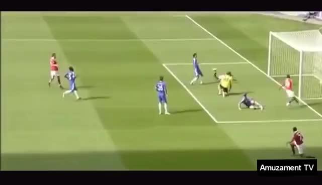 Watch Mori de Ras - Cele mai amuzante faze din fotbal 2016 GIF on Gfycat. Discover more related GIFs on Gfycat
