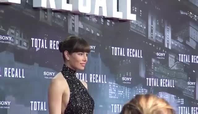 jessica biel, red carpet, Total Recall - Deutschlandpremiere in Berlin GIFs
