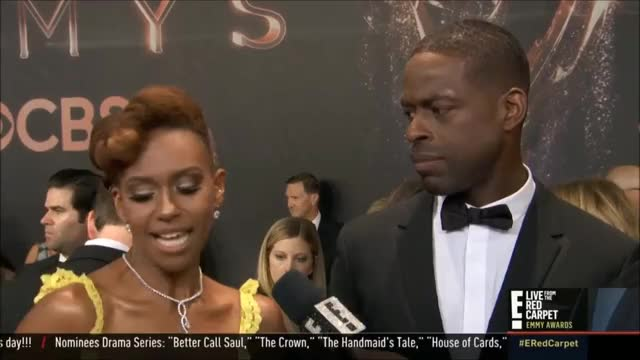 Watch this trending GIF by @tsubaki on Gfycat. Discover more EmmyAwards2017, Emmys, Emmys2017 GIFs on Gfycat