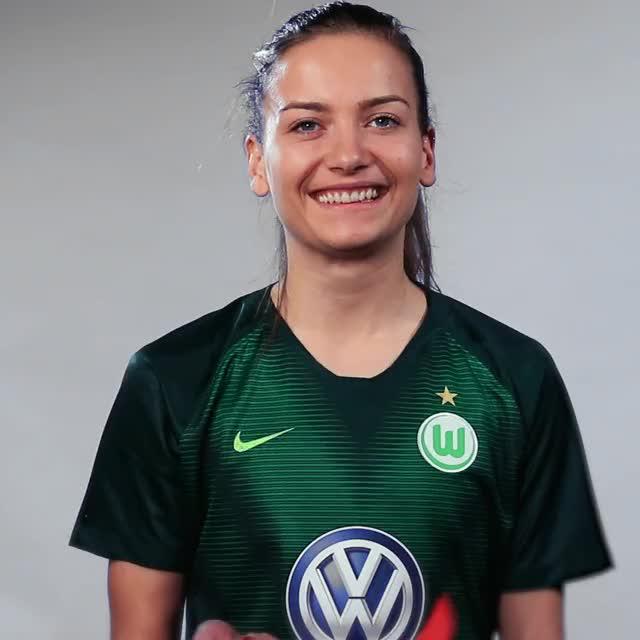 Watch and share Joelle Wedemeyer - Fahne Schweiz GIFs by VfL Wolfsburg on Gfycat