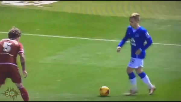Watch and share Gerard Deulofeu Assist After Pedalada Skill GIFs by Эстетика Футбола on Gfycat