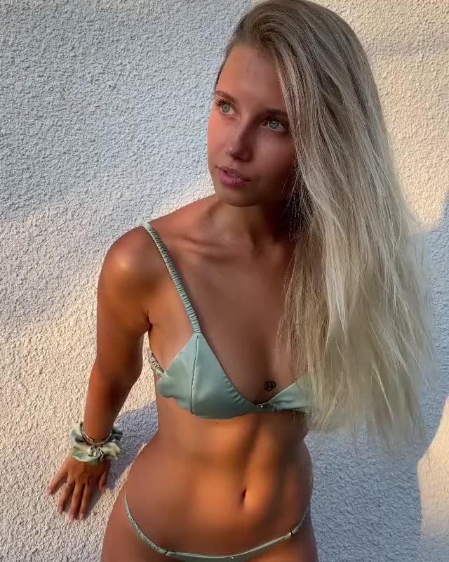 Watch and share Polina Malinovskaya GIFs by btdbdigbt on Gfycat