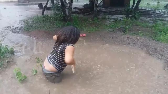 Watch Banho de chuva: lembranças da infância GIF on Gfycat. Discover more related GIFs on Gfycat