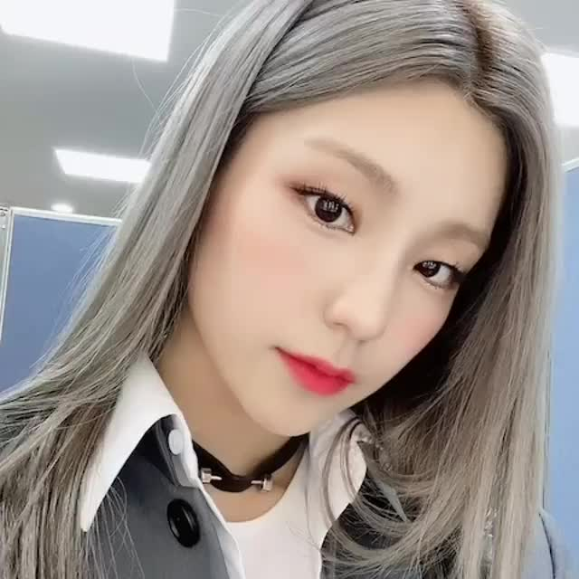 Watch and share Salute GIFs and Itzy GIFs by snow on Gfycat