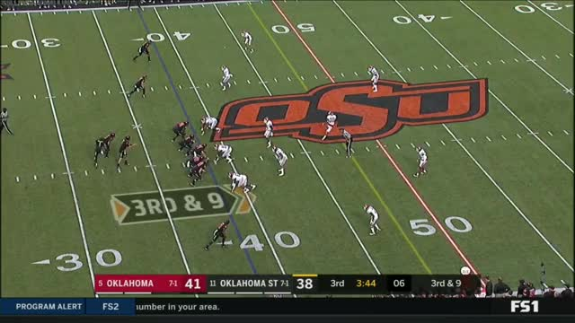 Watch and share OKLAHOMA VS OKLAHOMA STATE NO HUDDLE 2017 GIFs by Pistols Firing on Gfycat