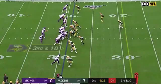 Watch and share Green Bay Packers GIFs and Minnesota Vikings GIFs by ittrainbow on Gfycat