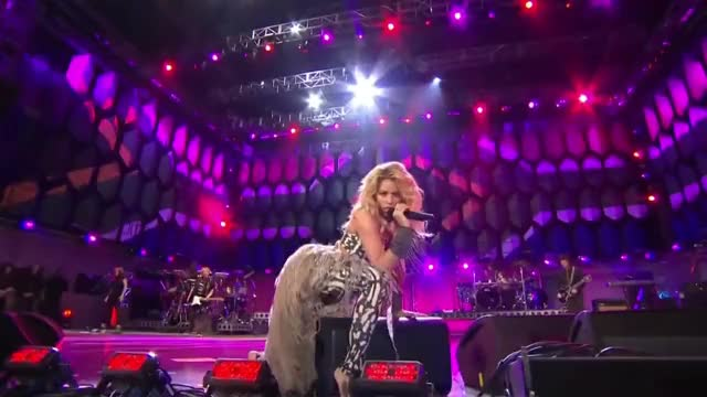 Watch Shakira - She Wolf (2010 FIFA World Cup➢ Kick-off Concert).mp4 GIF on Gfycat. Discover more 2010, All Tags, FIFA, concert, cup, kick, shakira, she, wolf, world GIFs on Gfycat