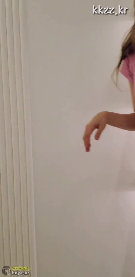 Watch and share 골지 원피스 선미 (SUNMI) [매의눈닷컴/heye.kr] GIFs by 매의눈닷컴(▶heye.kr) on Gfycat