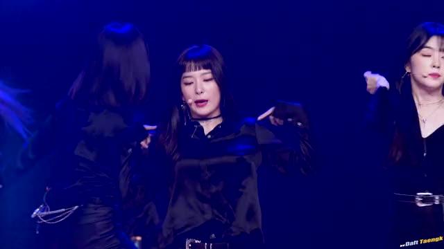 Watch and share 180228 슬기 Seulgi 레드벨벳 Red Velvet 'Rookie 루키' @명지대학교 오리엔테이션 4K 60P 직캠 By DaftTaengk GIFs on Gfycat