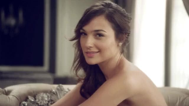Watch Gal Gadot GIF by shapesus (@politoadmoves) on Gfycat. Discover more celebs, gal gadot GIFs on Gfycat