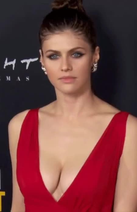 Watch and share Alexandra Daddario GIFs and Celebs GIFs by shapesus on Gfycat