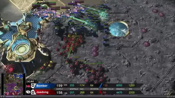 Watch and share Bomber Split1 GIFs by miszu on Gfycat
