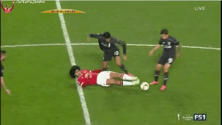Watch Coutinho dribble GIF by @brenttrek on Gfycat. Discover more Coutinho, Liverpoolgifs GIFs on Gfycat