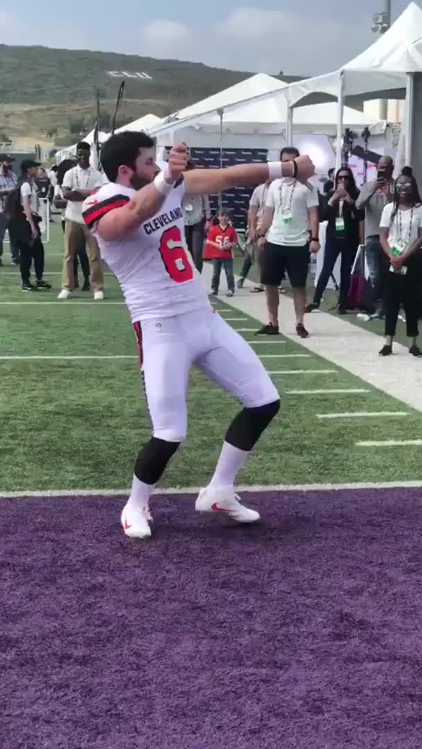 Watch Baker Mayfield Dances to Migos GIF on Gfycat. Discover more Baker, Cleveland Browns, Dance, Gaming, Mayfield, Migos, NFL, PB n Dre, Walk it Like I Talk it GIFs on Gfycat