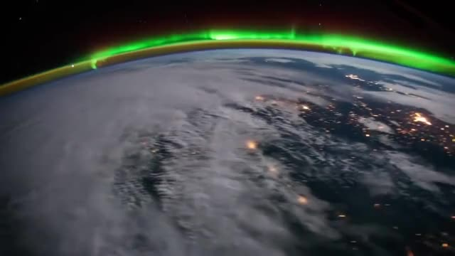 Watch and share Aurora Boreal GIFs and Tierra GIFs by Isabel Nebulosa on Gfycat