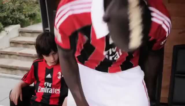 Boa Solo, Balotelli-Milan Junior Camp GIFs