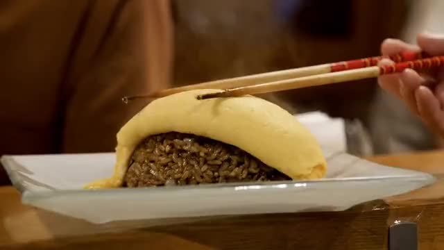 Watch $1 Eggs Vs. $89 Eggs • Japan GIF on Gfycat. Discover more BUZZFEED, BuzzFeedVideo, Japan, OMELETTE, cameraguy, eggs, food, japanese, omurice, tamago GIFs on Gfycat