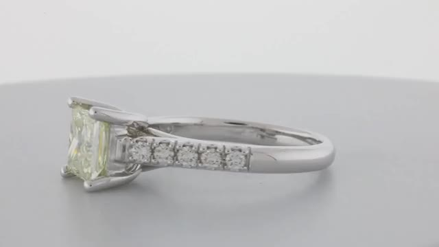 Watch and share Lucida Style Setting GIFs by Sarkisian's Jewelry Company, Inc. sarkisiansjewelry.com on Gfycat