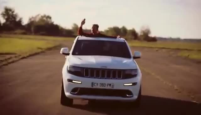 Watch and share Grand Cherokee SRT 2014 - Jeep - Le Garage Des Blogs GIFs on Gfycat