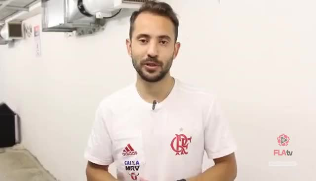 Watch and share Everton Ribeiro E Guerrero Falam Sobre Vitória GIFs on Gfycat