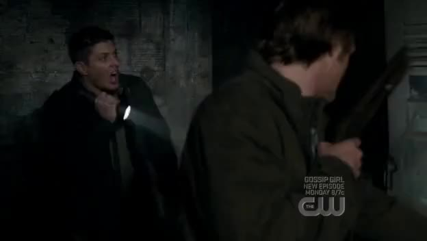 Watch and share Gritando GIFs and Dean GIFs on Gfycat