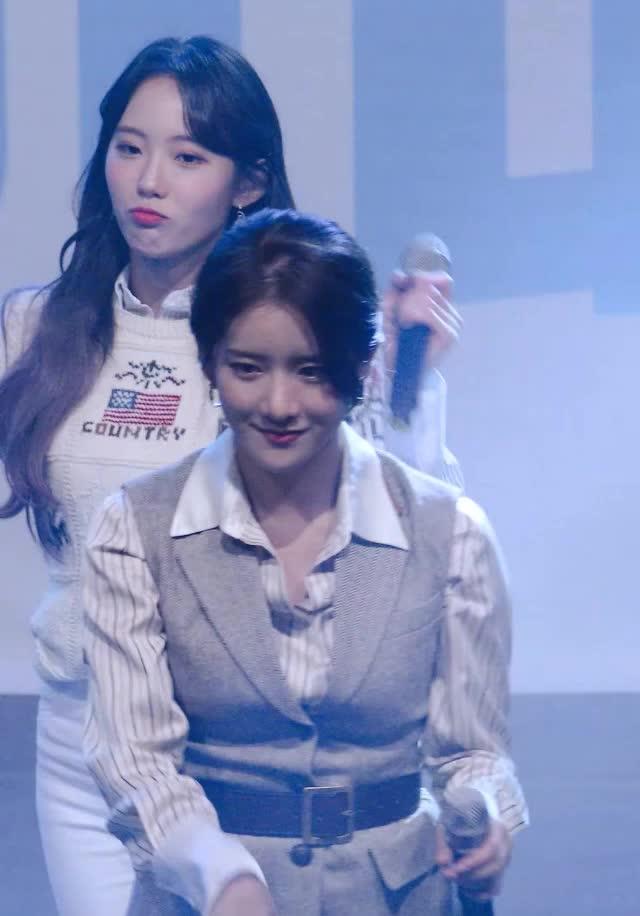 Watch and share 우주소녀 루다(WJSN LUDA)10 GIFs by koreaactor on Gfycat
