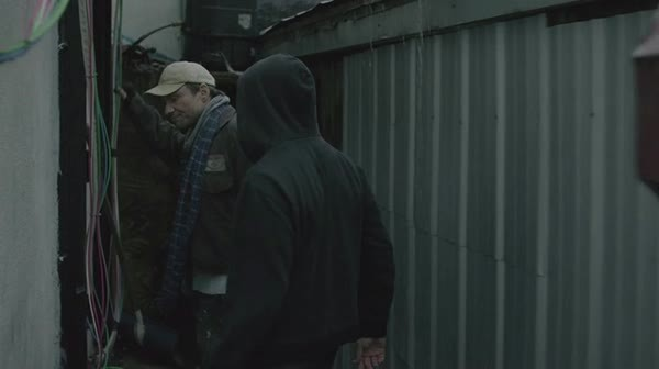 mrrobot, Scene from the first episode. The black guy doesnt seem to notice Mr.Robot at all. (reddit) GIFs