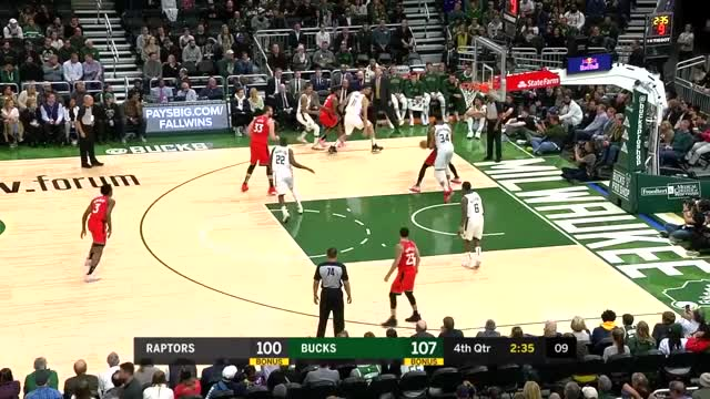 Watch and share Milwaukee Bucks GIFs and Toronto Raptors GIFs by louiszatzman on Gfycat