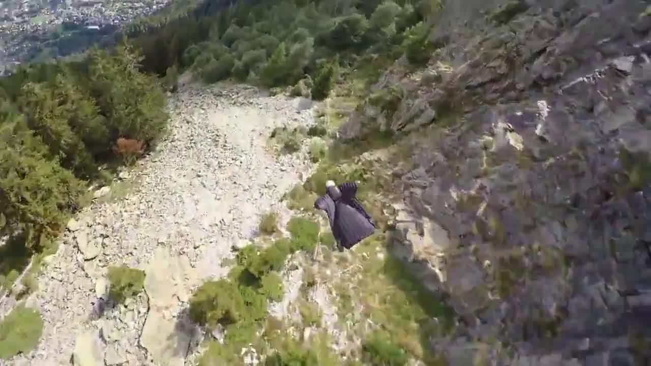 HumansAreMetal, holdmyredbull, Flying dangerously close to the ground in a wingsuit. (reddit) GIFs