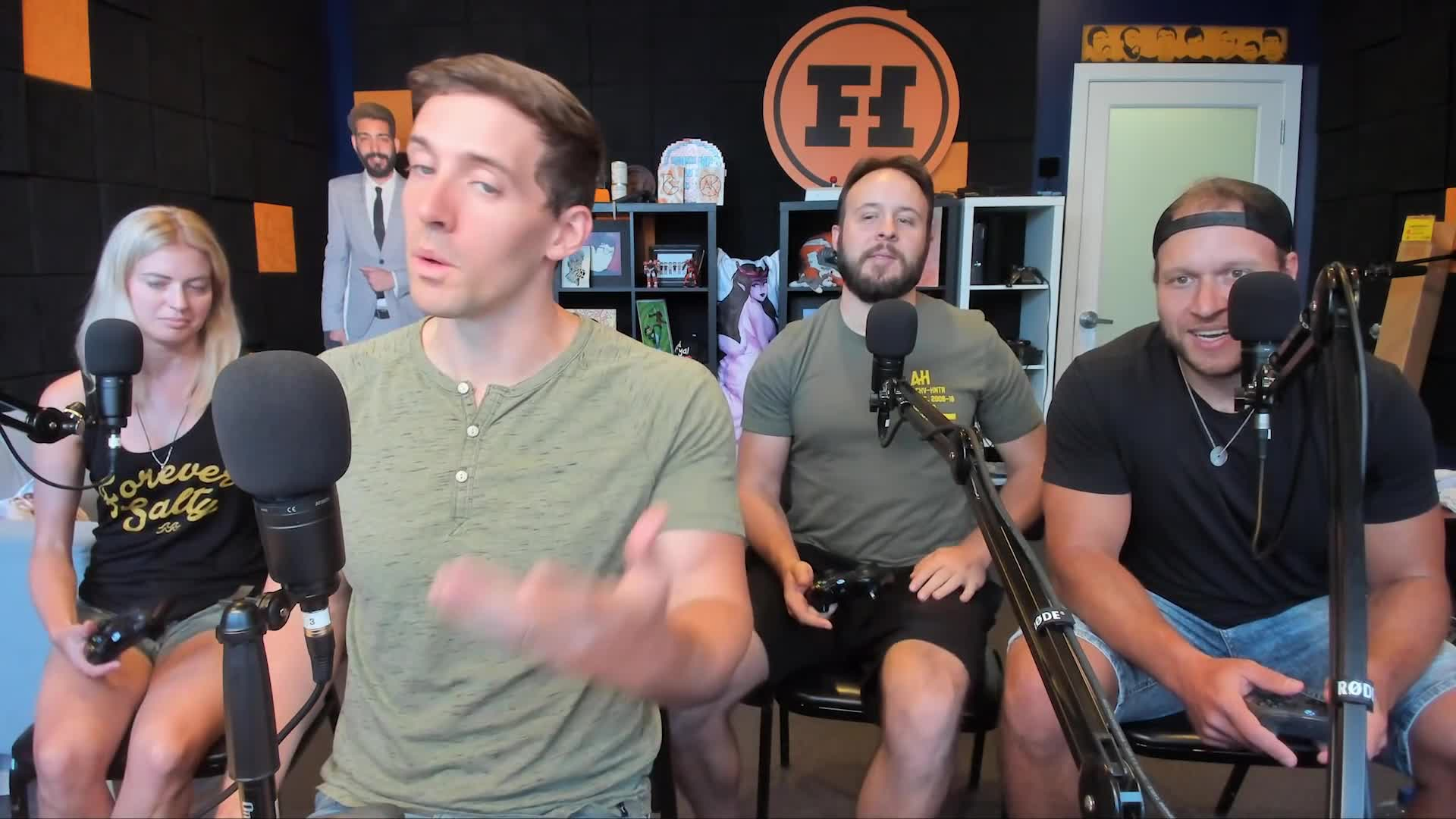 elyse willems, funhaus, gameplay, kooks, many, overcooked, overcooked 2, rooster teeth, team, too, leggy GIFs