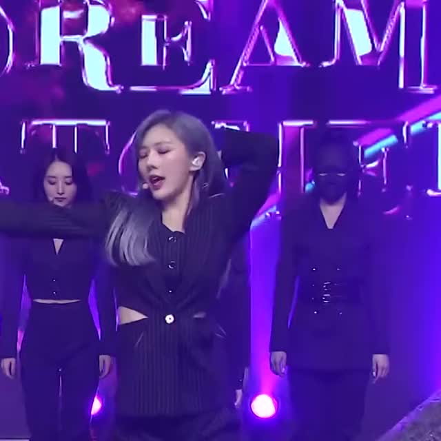 Watch and share Yoohyeon GIFs and Scream GIFs by phoning.home on Gfycat