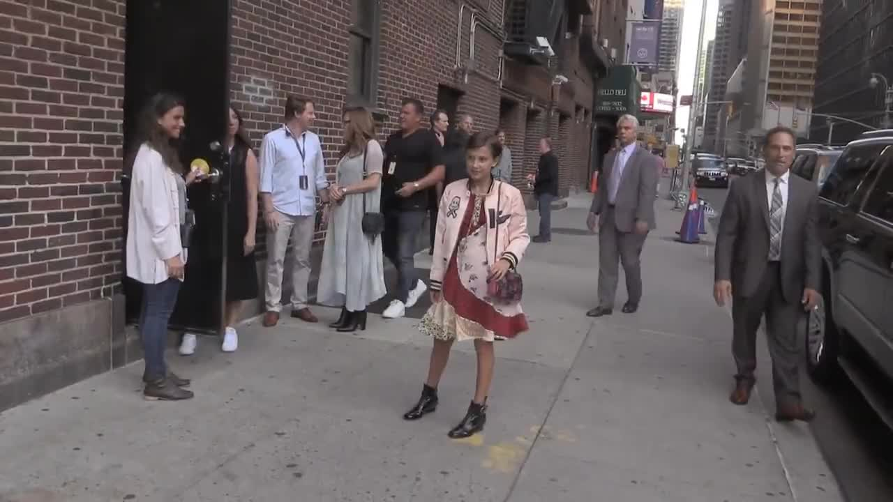 celebs, millie bobby brown, milliebobbybrown, Millie Bobby Brown outside Late Show GIFs
