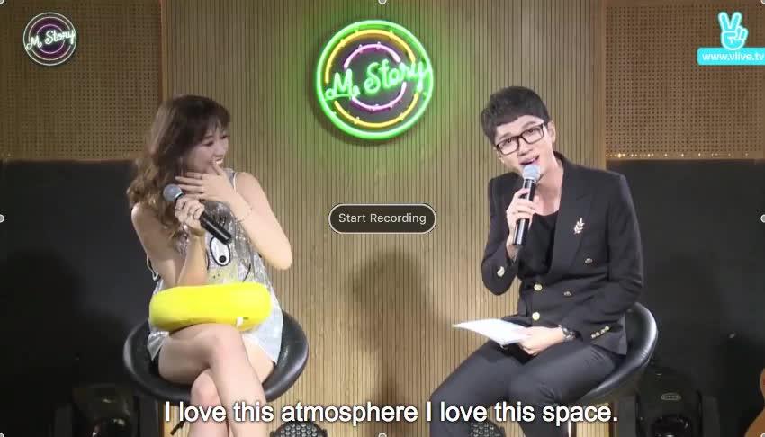 Hari Won xấu hổ khi hát sai lời ca khúc tủ trước mặt fan