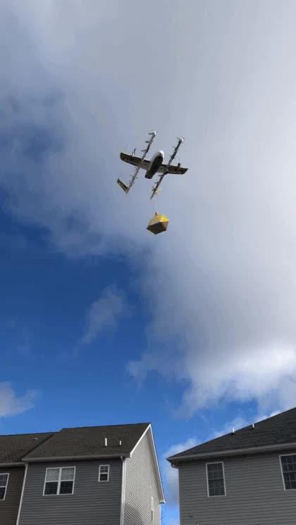 Watch and share Гифки-дроны-доставка-5829244 GIFs by giho13 on Gfycat