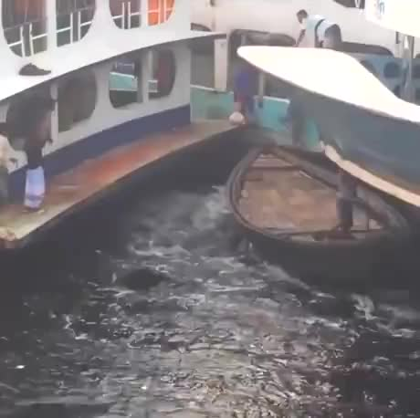 Watch and share Nononoyes GIFs and Awesome GIFs by esberat on Gfycat
