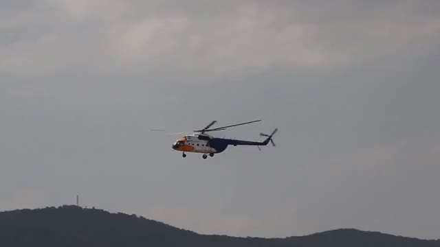 Watch this chopper GIF on Gfycat. Discover more chopper, helicopter, helicopter crash, helicopter fail, transportation GIFs on Gfycat