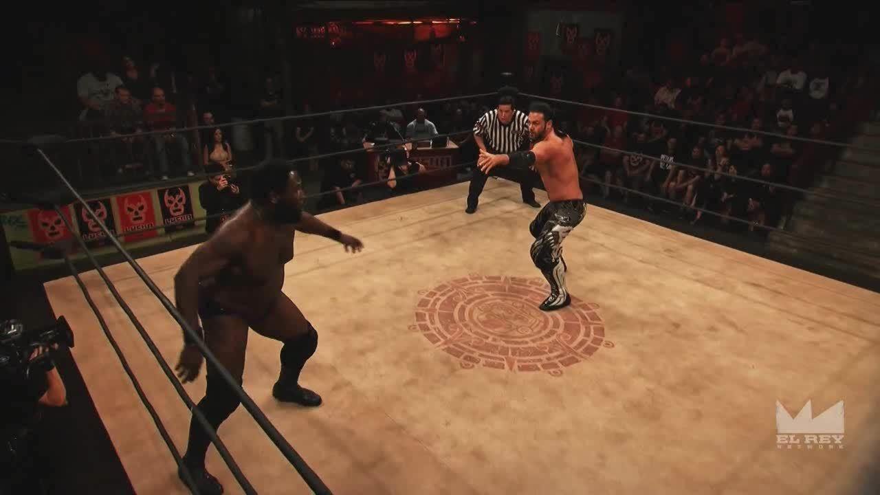 LuchaUnderground, luchaunderground, Lucha Underground - PJ Black kicks The Mack and then hits 'Black to the Future'! GIFs