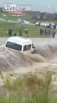 Watch Minibus taxi gets stuck in flood waters GIF by @hserrpid on Gfycat. Discover more mudwater GIFs on Gfycat