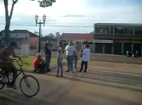 Watch como tu andas de bicicleta GIF on Gfycat. Discover more andas, bicicleta, como GIFs on Gfycat