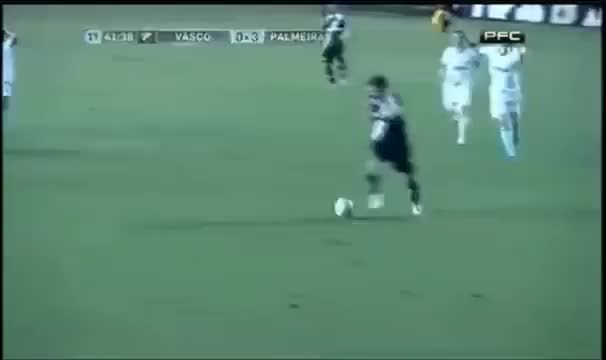 Watch and share El Gol Increible Que Se Come El Ex San Lorenzo German Herrera De Vasco Frente A Palmeiras GIFs by diarioporven on Gfycat