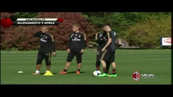 sportsarefun, Balotelli embraces El Shaarawy on his return to training (reddit) GIFs