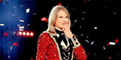 1989 tour, Taylor Swift, fearless tour, gif, red tour, speak now tour, then and now, BelleSwift17 Columbus Shows GIFs