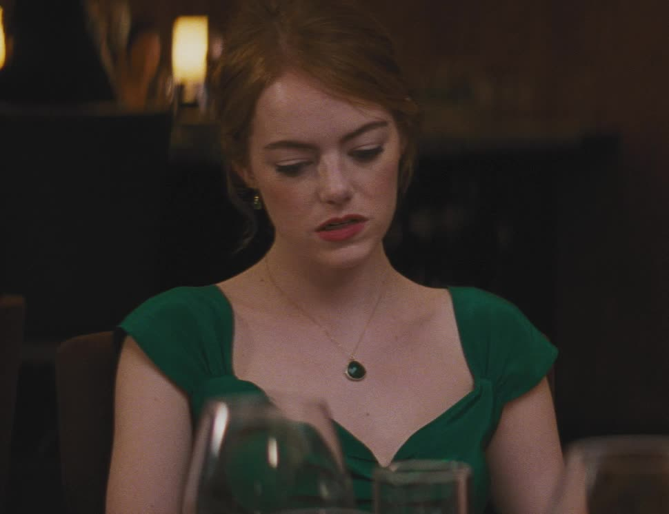 bored, boring, emma stone, la la land, lalaland, lionsgate, movies, nerves, Mia is restless - Emma Stone GIFs